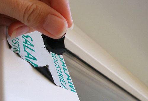 Как легко снять пленку с пластиковых окон?