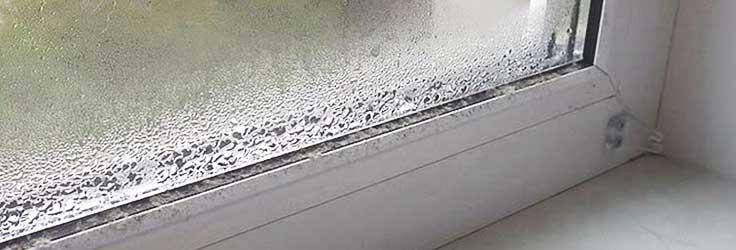 Почему потеют окна? Конденсат на окнах как бороться?