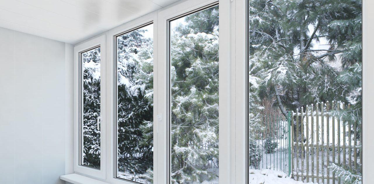 Можно ли ставить пластиковые окна зимой?